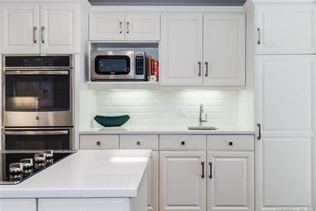 8 Iris Lane, Westport, CT 06880 (MLS #170060752) :: Carbutti & Co Realtors