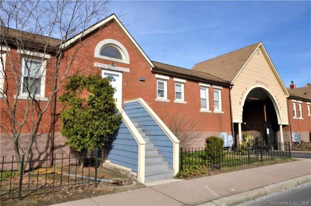17 Dean Street #17, Hartford, CT 06114 (MLS #170070698) :: Stephanie Ellison