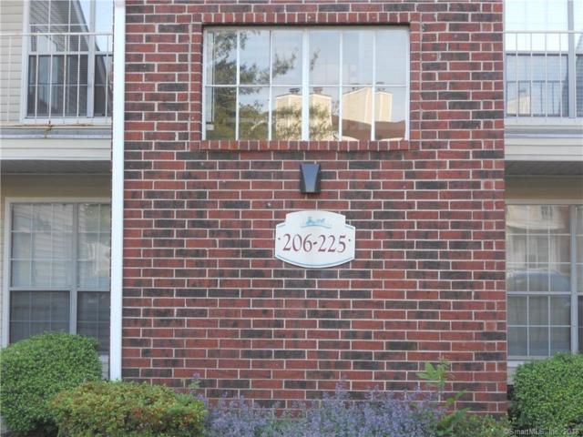211 Carriage Crossing Lane #211, Middletown, CT 06457 (MLS #170089385) :: Carbutti & Co Realtors