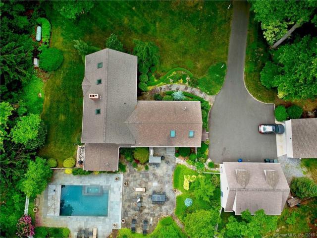 11 White Oak Lane, Woodbridge, CT 06525 (MLS #170094057) :: Carbutti & Co Realtors
