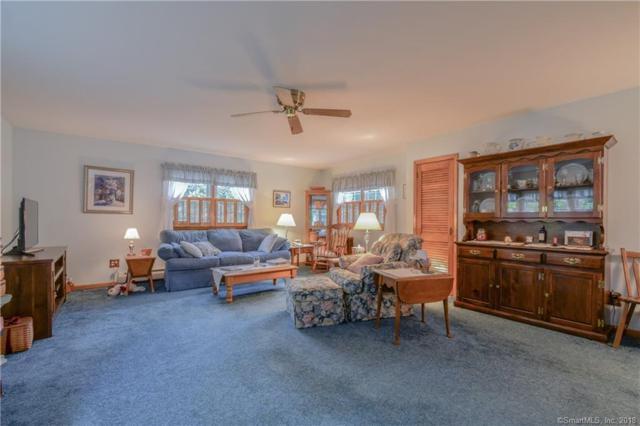 275 White Plains Road, Trumbull, CT 06611 (MLS #170115865) :: Carbutti & Co Realtors