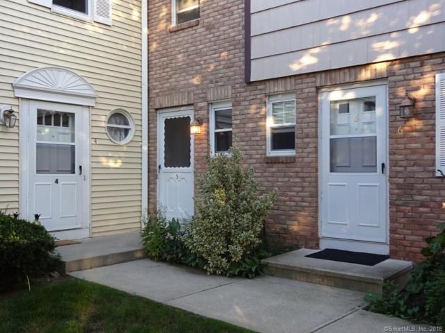 5 E Gate Lane #5, Hamden, CT 06514 (MLS #170126017) :: Carbutti & Co Realtors