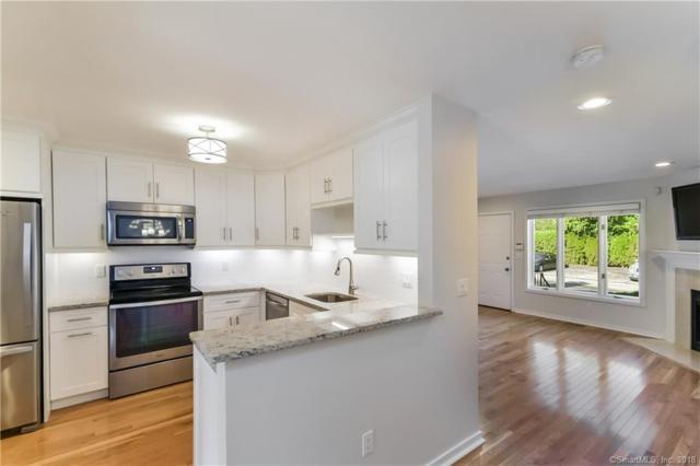 15 Perry Avenue B3, Norwalk, CT 06850 (MLS #170139673) :: Carbutti & Co Realtors