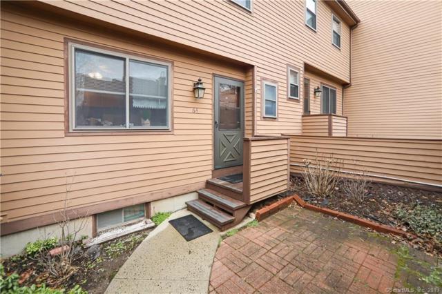 64 Cedar Knolls Drive #64, Branford, CT 06405 (MLS #170183949) :: Carbutti & Co Realtors