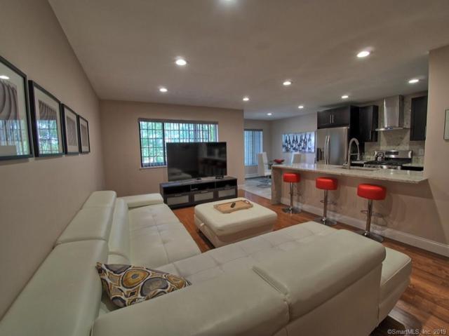 21 Roxbury Lane #21, Bridgeport, CT 06606 (MLS #170195728) :: The Higgins Group - The CT Home Finder