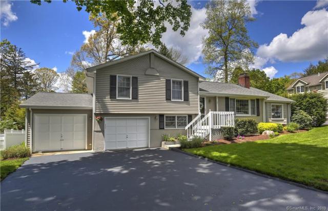 27 Green Knolls Lane, Fairfield, CT 06824 (MLS #170197258) :: Carbutti & Co Realtors