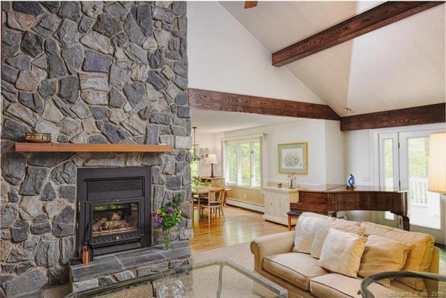21 Winthrop Hill Road, Essex, CT 06442 (MLS #170197702) :: Mark Boyland Real Estate Team