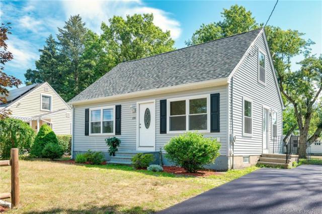 135 Standish Avenue, North Haven, CT 06473 (MLS #170217331) :: Carbutti & Co Realtors