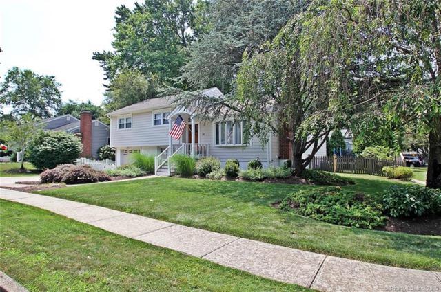 34 Windsor Place, Fairfield, CT 06824 (MLS #170218671) :: Michael & Associates Premium Properties | MAPP TEAM