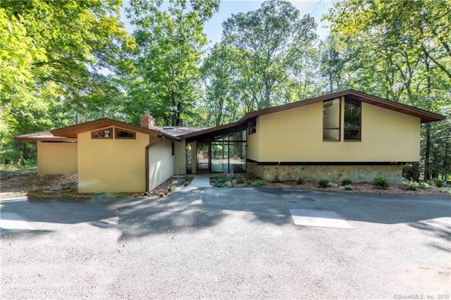 45 Rock Hill Road, Woodbridge, CT 06525 (MLS #170237254) :: Carbutti & Co Realtors