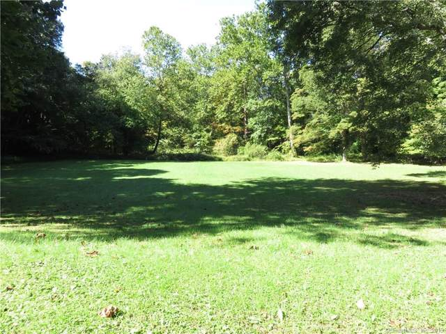 5 Singing Woods Court, Norwalk, CT 06850 (MLS #170238797) :: Michael & Associates Premium Properties | MAPP TEAM