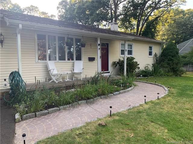 9 Cedarwood Lane, Old Saybrook, CT 06475 (MLS #170238801) :: The Higgins Group - The CT Home Finder