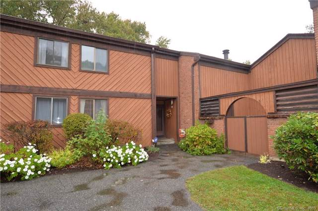 10 Hearthstone Drive #10, Brookfield, CT 06804 (MLS #170243822) :: The Higgins Group - The CT Home Finder
