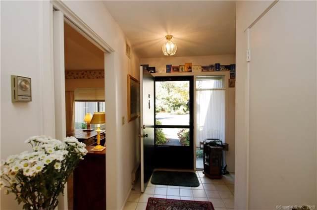 8C Heritage Crest 8C, Southbury, CT 06488 (MLS #170244777) :: GEN Next Real Estate