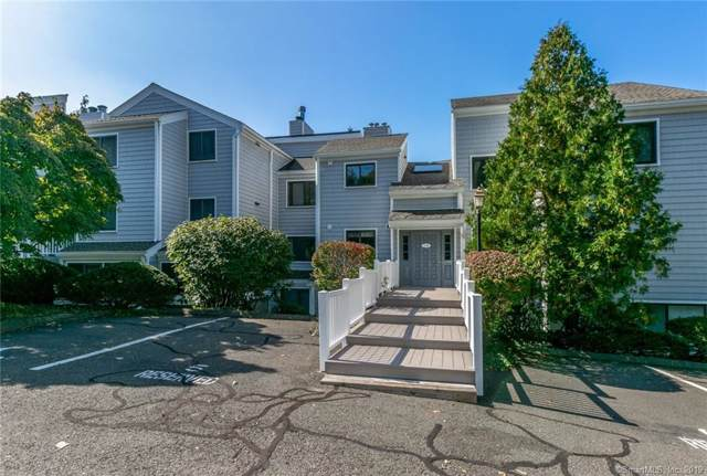 8 Rowayton Woods Drive #8, Norwalk, CT 06854 (MLS #170245474) :: The Higgins Group - The CT Home Finder
