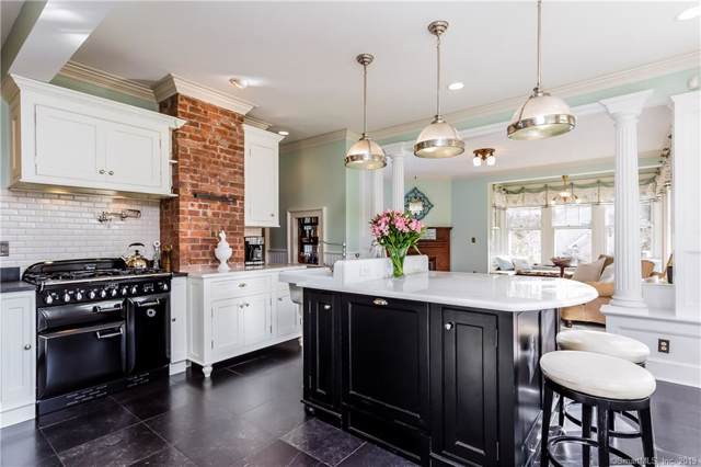 17 Main Street, Newtown, CT 06470 (MLS #170245961) :: Michael & Associates Premium Properties   MAPP TEAM