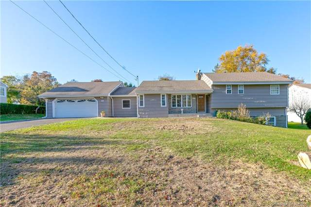 52 Lake Avenue, Trumbull, CT 06611 (MLS #170248339) :: The Higgins Group - The CT Home Finder