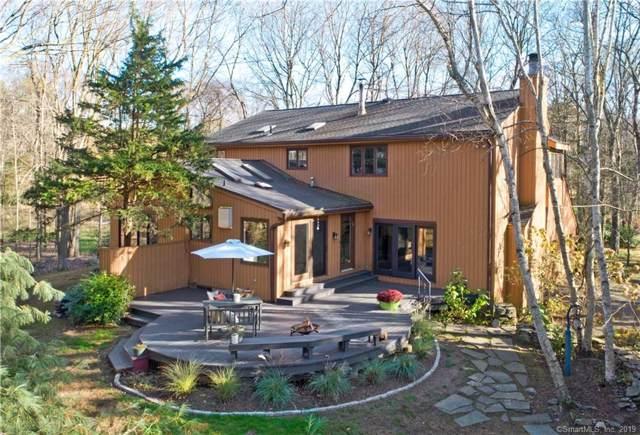 25 Brookwood Drive, Woodbridge, CT 06525 (MLS #170249435) :: Carbutti & Co Realtors