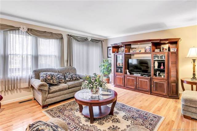 20 Echowoods Circle #20, Monroe, CT 06468 (MLS #170250420) :: The Higgins Group - The CT Home Finder