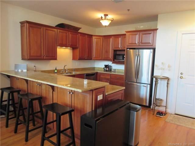 1 Indian Neck Avenue #6, Branford, CT 06405 (MLS #170251105) :: Michael & Associates Premium Properties | MAPP TEAM