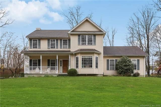 32 Fairway Drive, Danbury, CT 06811 (MLS #170252403) :: Michael & Associates Premium Properties | MAPP TEAM