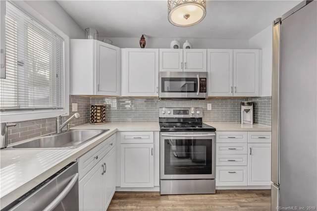 255 Blueberry Lane #255, Branford, CT 06405 (MLS #170255382) :: Carbutti & Co Realtors