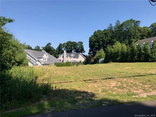 4 Hotchkiss Grove Road, Branford, CT 06405 (MLS #170256004) :: Carbutti & Co Realtors