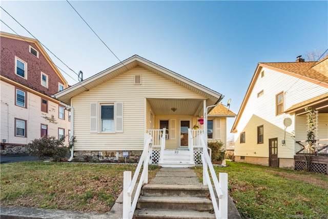 32 Lockhart Avenue, Waterbury, CT 06705 (MLS #170256021) :: Carbutti & Co Realtors