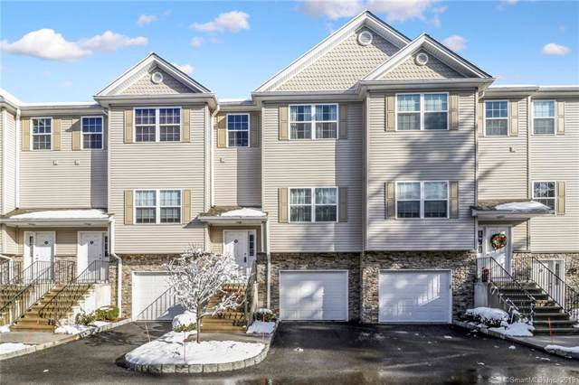 22 Riverview Court #22, Brookfield, CT 06804 (MLS #170256909) :: The Higgins Group - The CT Home Finder