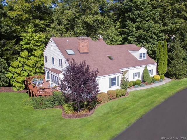 17 Silvermine Woods, Wilton, CT 06897 (MLS #170257035) :: The Higgins Group - The CT Home Finder