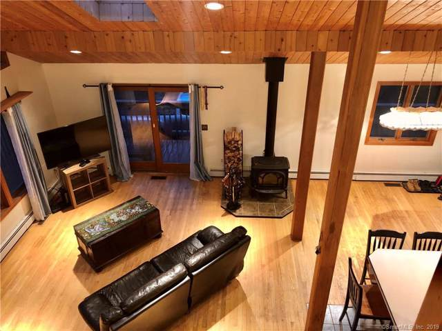 155 Tom Wheeler Road, North Stonington, CT 06359 (MLS #170257389) :: GEN Next Real Estate