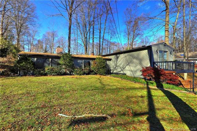 4 Old Hickory Lane, Branford, CT 06405 (MLS #170258004) :: Spectrum Real Estate Consultants