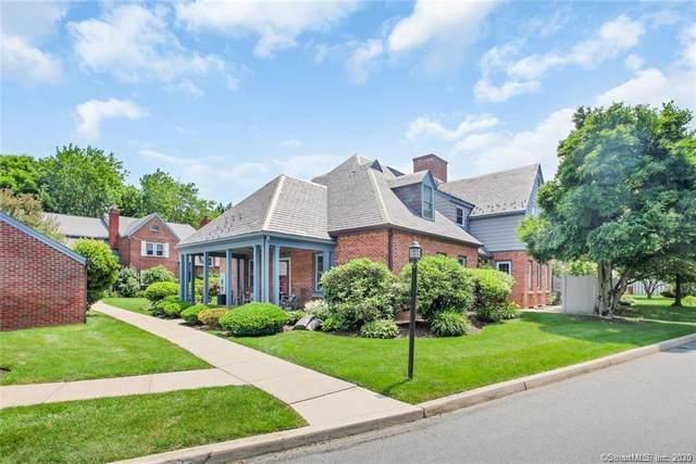 138 Roberton Crossing, Fairfield, CT 06825 (MLS #170261491) :: Mark Boyland Real Estate Team