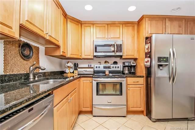18 Mountainview Drive, Norwich, CT 06360 (MLS #170264222) :: Michael & Associates Premium Properties | MAPP TEAM