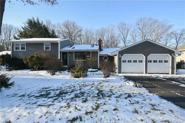 19 Oakwood Drive, North Haven, CT 06473 (MLS #170264831) :: Carbutti & Co Realtors
