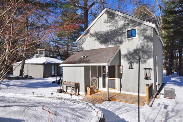 15 Gray Pine Common #15, Avon, CT 06001 (MLS #170266022) :: The Higgins Group - The CT Home Finder