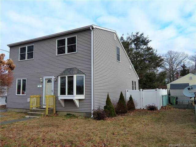 11 Midway Oval, Groton, CT 06340 (MLS #170269460) :: Michael & Associates Premium Properties | MAPP TEAM