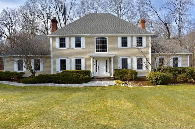 18 October Hill Road, Woodbridge, CT 06525 (MLS #170269678) :: Carbutti & Co Realtors