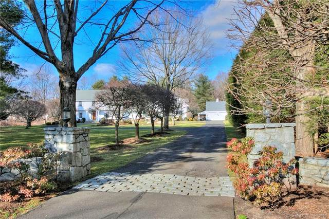 9 High Acre Road, Weston, CT 06883 (MLS #170269978) :: The Higgins Group - The CT Home Finder
