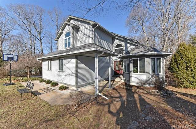7 Maplewood Drive, East Hampton, CT 06424 (MLS #170270707) :: The Higgins Group - The CT Home Finder