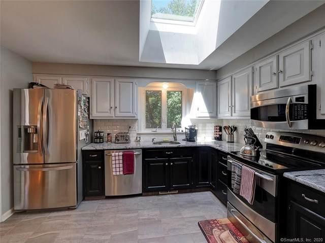 5 Briarwood Lane, Wallingford, CT 06492 (MLS #170274244) :: Carbutti & Co Realtors
