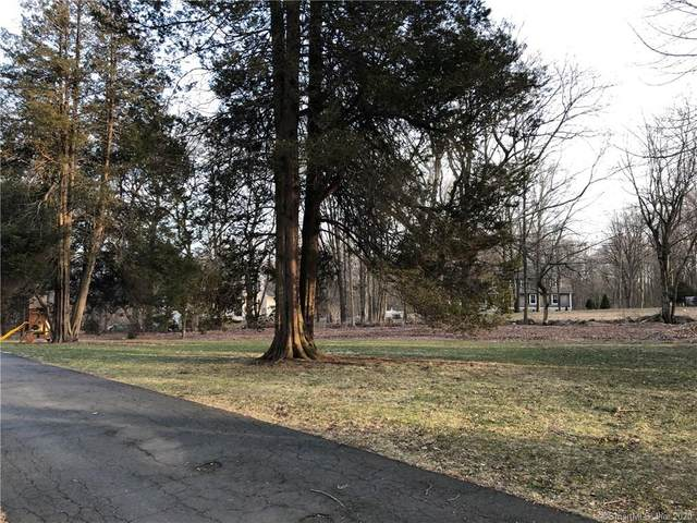 35 Fresh Meadow Lane, Milford, CT 06461 (MLS #170274324) :: Carbutti & Co Realtors