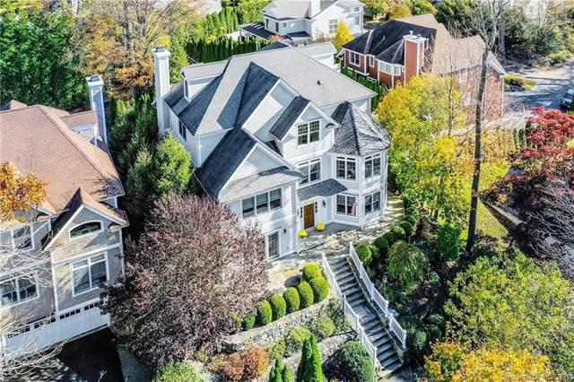 13 Witch Lane, Norwalk, CT 06853 (MLS #170278004) :: Spectrum Real Estate Consultants