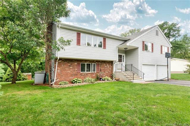 67 South Street, Cromwell, CT 06416 (MLS #170281099) :: Carbutti & Co Realtors