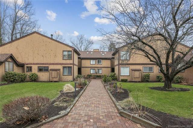 26 Hearthstone Drive #26, Brookfield, CT 06804 (MLS #170282578) :: Kendall Group Real Estate | Keller Williams