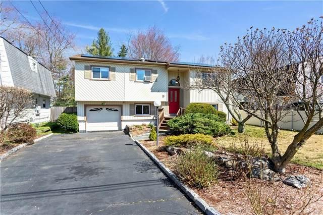 8 3 Seasons Court, Norwalk, CT 06854 (MLS #170283919) :: Spectrum Real Estate Consultants
