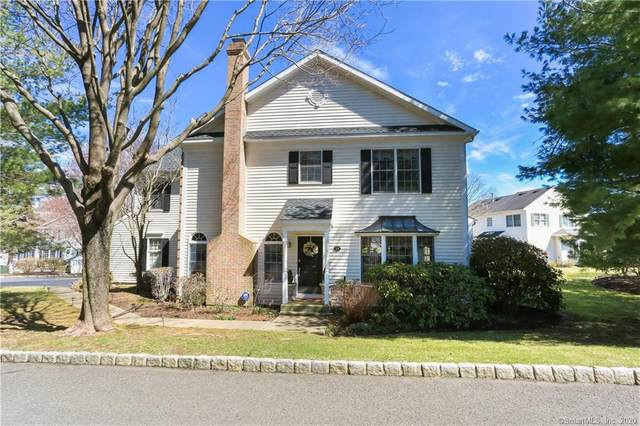 15 Deane Lane #15, Fairfield, CT 06824 (MLS #170284376) :: The Higgins Group - The CT Home Finder