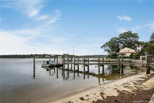20 Bishops Bay Road, East Lyme, CT 06357 (MLS #170285386) :: Spectrum Real Estate Consultants