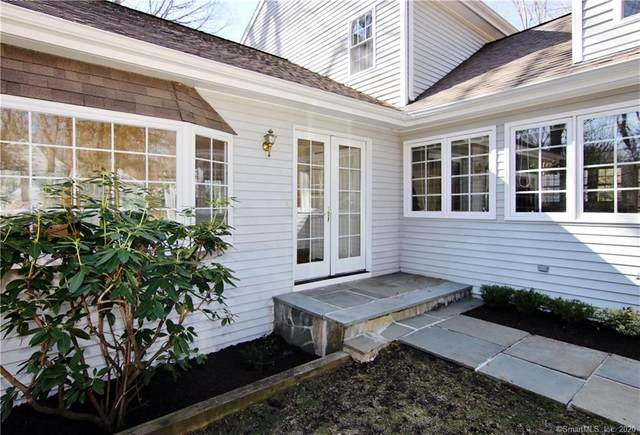 10 Lockwood Circle, Westport, CT 06880 (MLS #170286148) :: Spectrum Real Estate Consultants