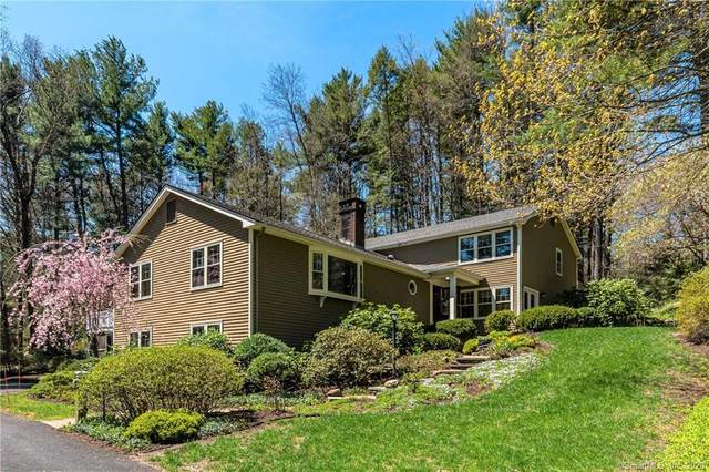 17 Hollister Drive, Avon, CT 06001 (MLS #170293086) :: Spectrum Real Estate Consultants